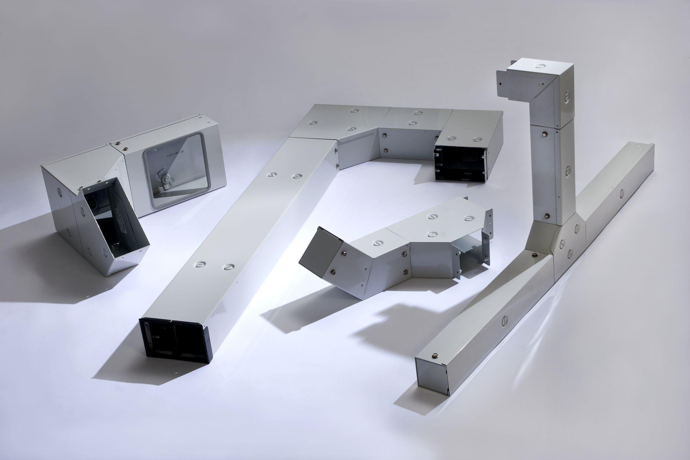 Großartig Oberflächenmontage Kabelkanal Formteil Galerie - Der ...