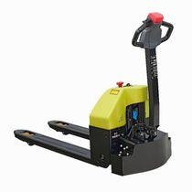 Elektrischer Hubstapler / für Materialumschlag / Transport / mit elektrischem Antrieb