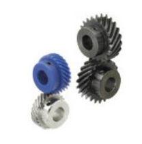 Gerades Getriebe / schrägverzahnt / Stahl / mit Nockenwelle