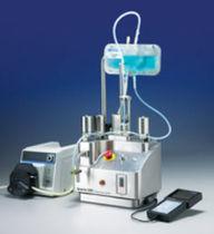 Füll und Schraubverschlussanlage / aseptisch / für Flüssigkeiten