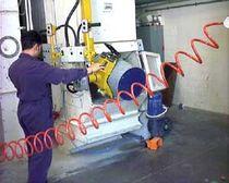 Pneumatischer Manipulator / mit Vakuum / zum Entleeren von Fässern