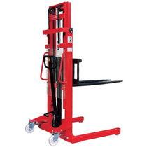 Hydraulischer Stapler / Stand / für Lagerhallen / robust