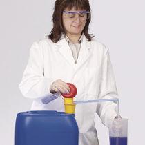 Wasserpumpe / für Säure / für Basen / manuell