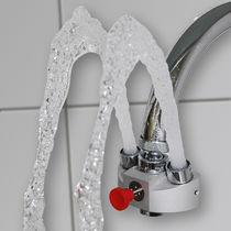 Wasserhahnmontierte-Augendusche / für Innenbereich / für Labor