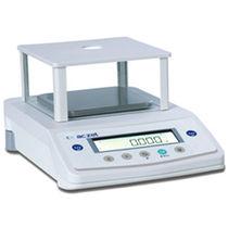 Präzisionswaage / für Labors / mit LCD-Display / mit externer Kalibrierung
