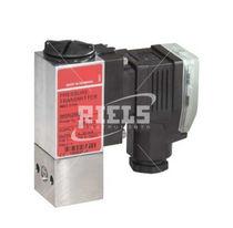 Druckschalter für Flüssigkeiten / Membran / kompakt / für Hochdruck