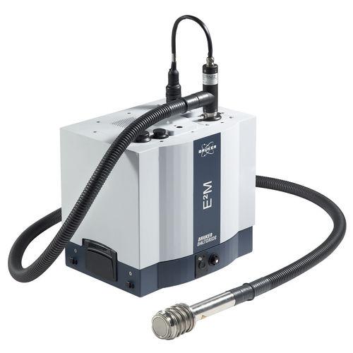 Quadrupol-Massen-Spektrometer / kompakt / robust / mobil