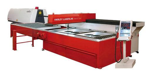 Edelstahl-Schneidmaschine - Farley Laserlab