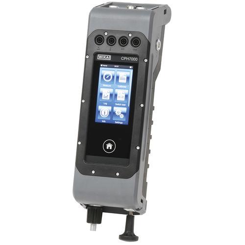 Druckkalibrator - WIKA Alexander Wiegand SE & Co. KG