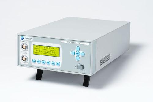 digitales Voltmeter / tragbar / Radiofrequenz