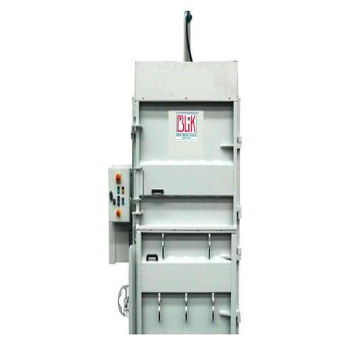 vertikale Ballenpresse / Frontlader / Karton