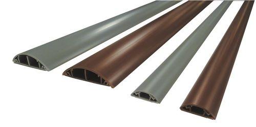 bodenstehender Kabelschutz / PVC