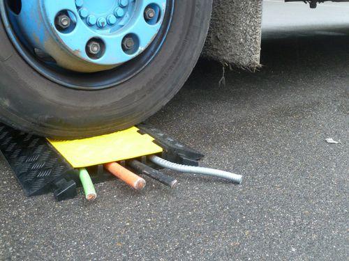 Kabelschutz für Fahrzeugdurchlauf