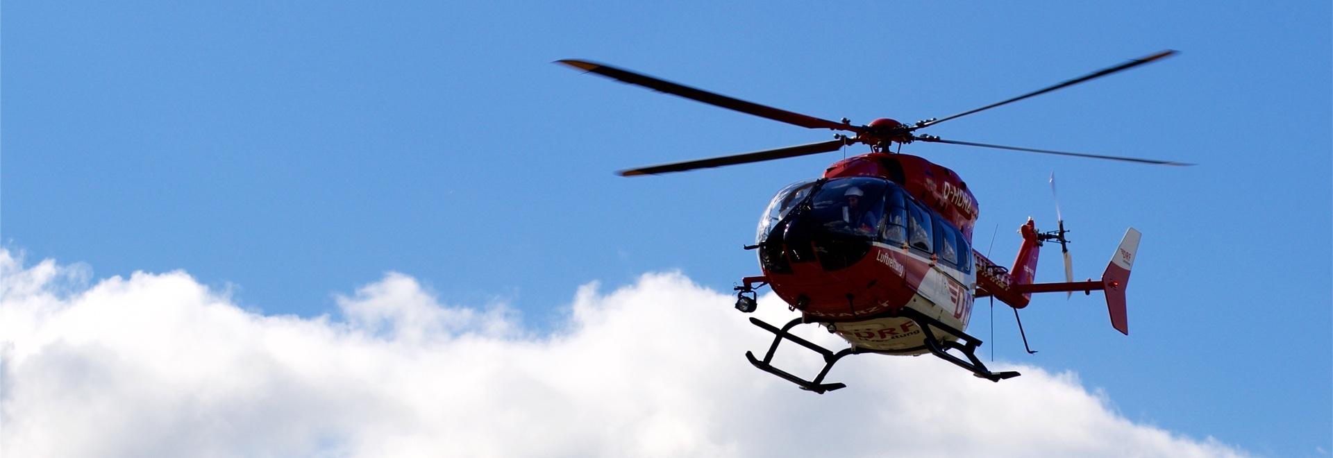 alkitronic Handkraftschrauber leisten bei Hubschrauberwartung nützliche Dienste