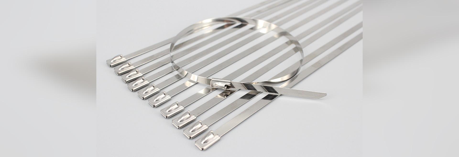 Edelstahlball, der Kabelbinder zuschließt