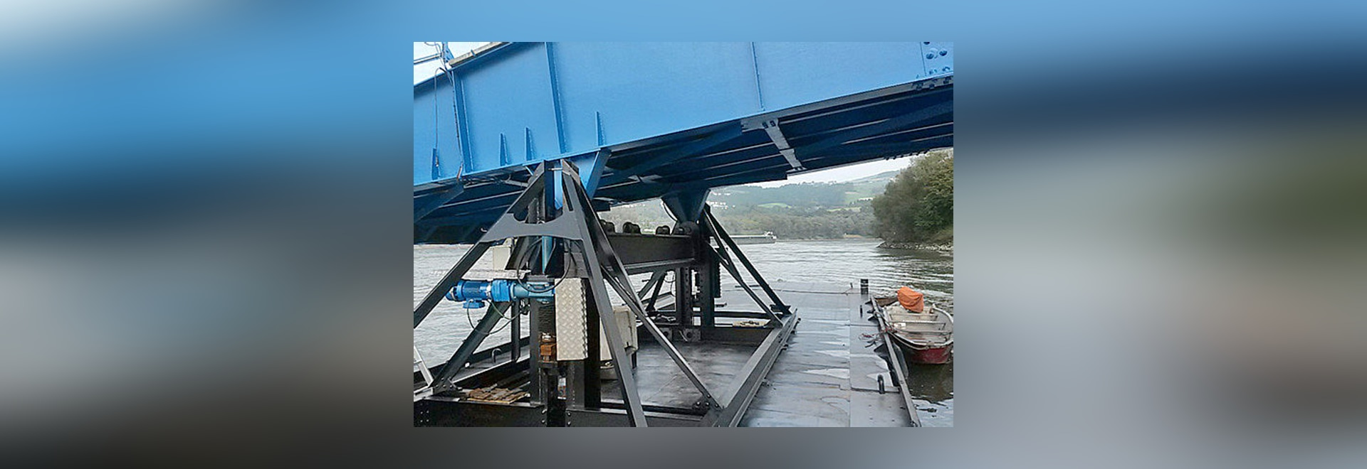 Spindelhubgetriebe: Umrüstung einer Landebrücke