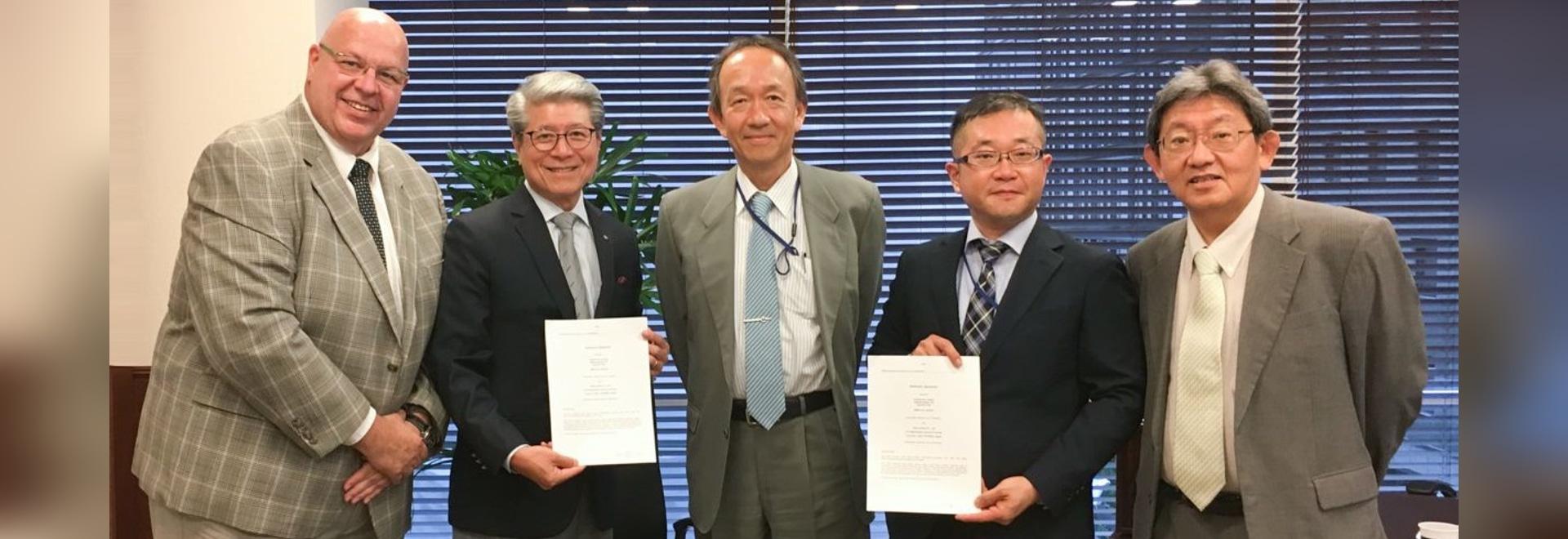 Unterzeichnende Verteilervereinbarung FerRobotics und TAIHEI BOEKI Co. Ltd für Jaoan