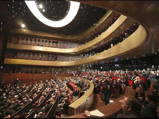 Stichhaltige Isolierung und Erschütterungslokalisierung im Musiktheater in Linz, Österreich
