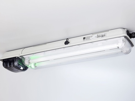 Leichte, kompakte und robuste Ex-Notlichtleuchten von R. STAHL