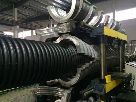 Doppel-wandige gewölbte Linie des Rohres PE225-800