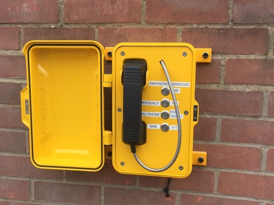 J&R-Notruftelefon funktioniert großes in Forest Park, Norfolk, Großbritannien.