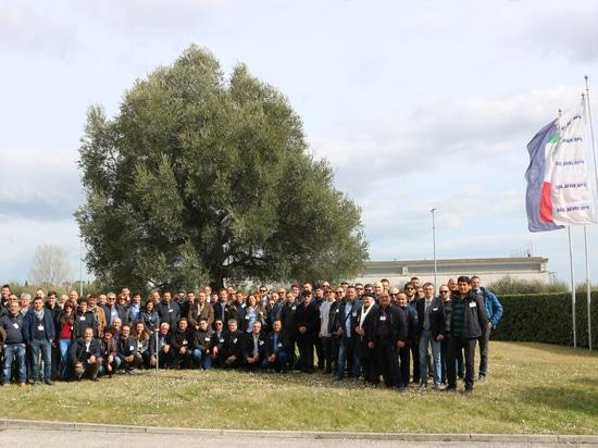 Die 2. Gruppe von Kalabrien besucht Pieralisi-Gruppe