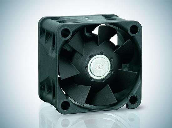 Der kompakte Lüfter 420J trotzt Temperaturen von bis zu  40 ° C.