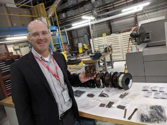 Modernes BioCarbon 3D entwickelt leistungsstarken bedruckbaren Bioplastic 3D vom Holz