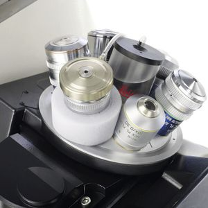 Mikroskop-Objektiv / Wasser