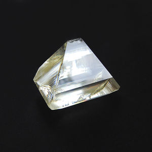 Kristall aus Kalium-Titanyl-Phosphat KTiOPO4 KTP
