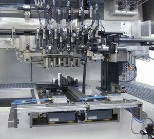 Dimensional-Messmaschine