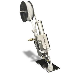 Clipmaschine mit Plastikclip