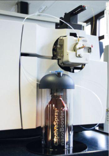 Ionenquelle für Massenspektrometer