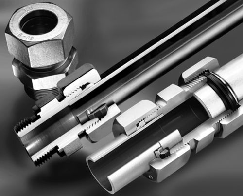 Schneidringanschluss / gerade / hydraulisch / Stahl