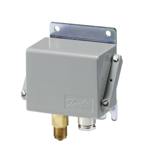 Druckschalter für Flüssigkeiten / Membran / Differenz / kompakt