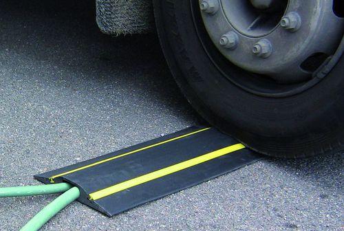 Kabelschutz für Fahrzeugdurchlauf / bodenstehend