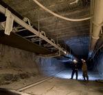 Bandförderer / für Bergbauindustrie / bodenstehend / breit