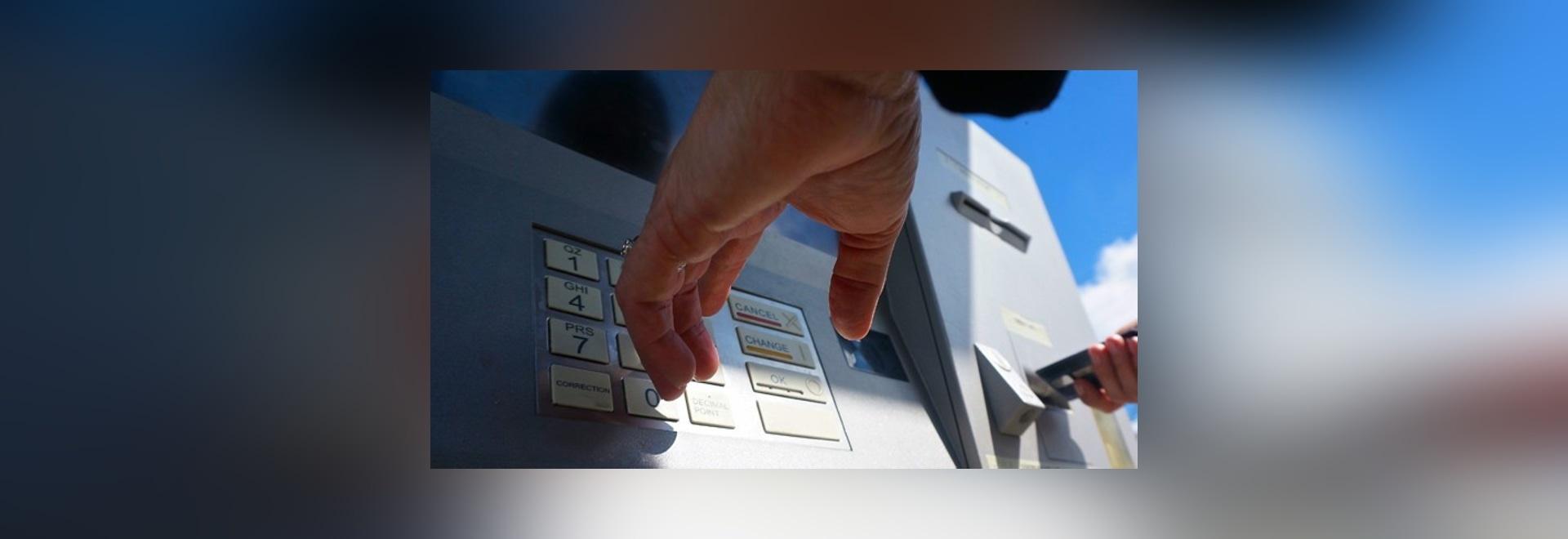Silberne Ionenmit Berührungseingabe Bildschirme konnten ATMs sicherer bilden