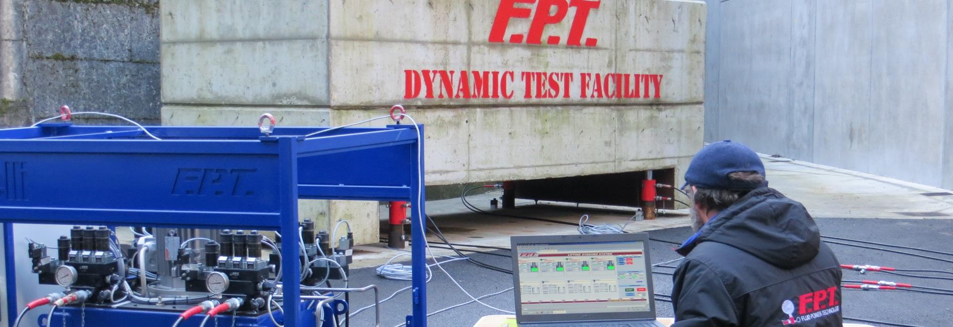 Synchrone anhebende Systeme FPT: Entwurf und Fertigung von speziellen Maschinen