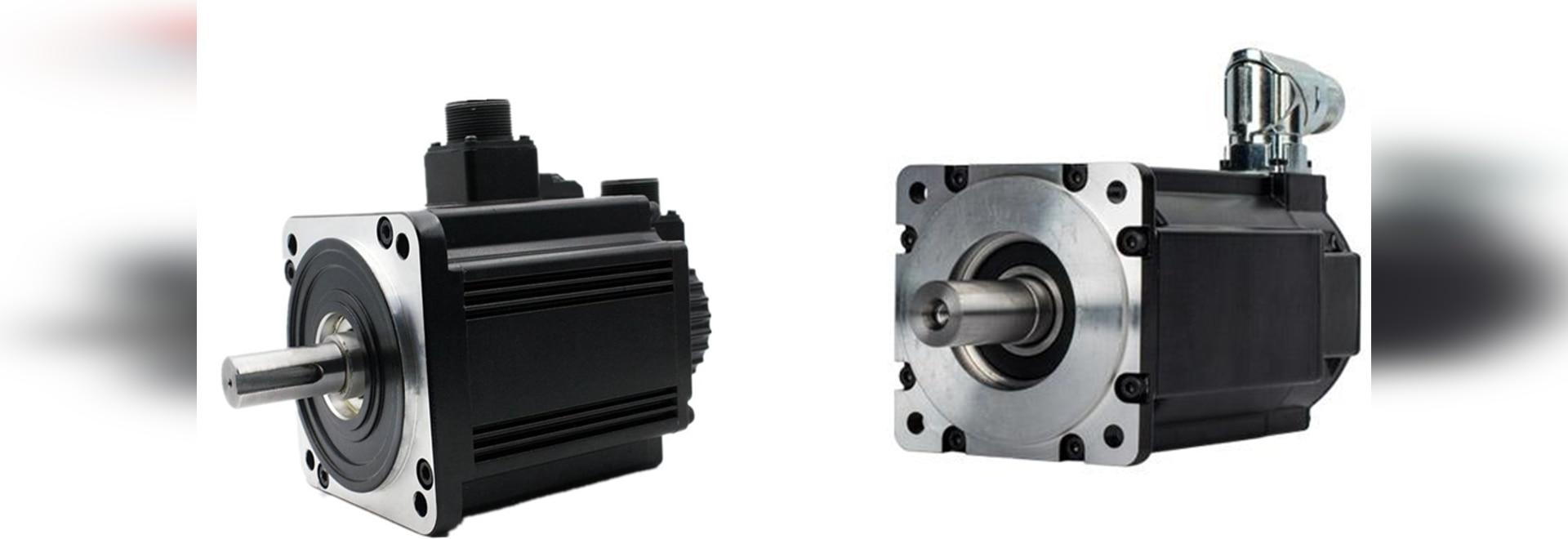 System aus Servomotor und Spindelhubgetriebe