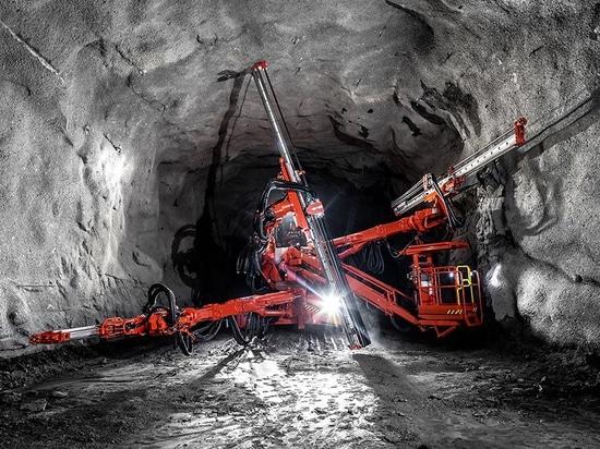 Sandvik startet DT1132i-Tunnelbau-Jumbo