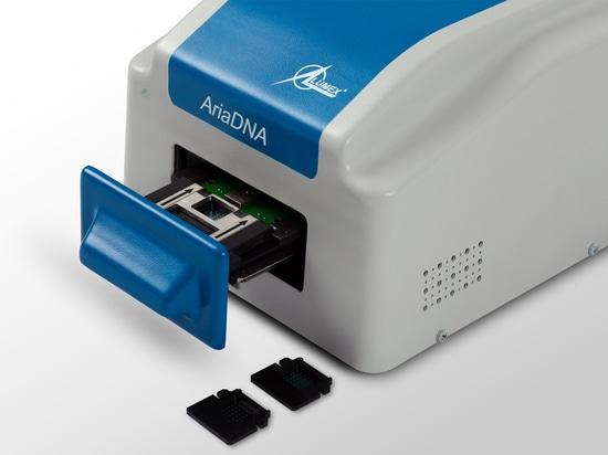 Lumex Instruments hat das Microchip RT-PCR COVID-19 Detektionssystem entwickelt, das sich durch einen geringen Reagenzienverbrauch auszeichnet