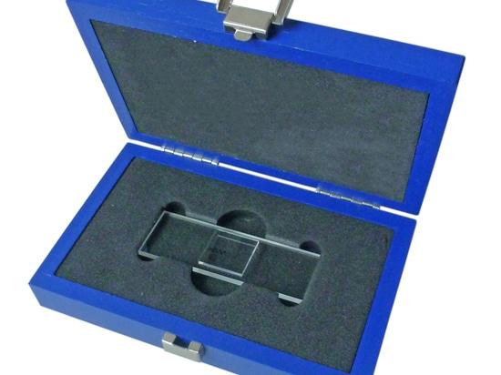 Opto erweitert sein Potfolio an Kalibriertargets und Objektmikrometern
