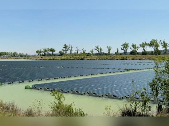 Eine sich hin- und herbewegende Solar-PV-Anlage konnte wie Wiedergabe dieses Künstlers aussehen.
