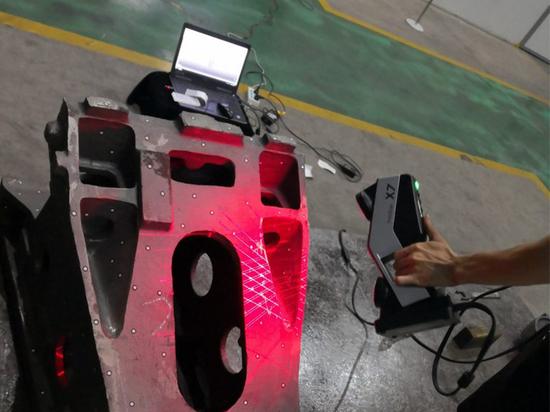 Scannen von Roboterarmen mit dem FreeScan X7