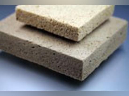 Dieses hölzerne geschäumte Brett ist ein völlig Naturprodukt, das von den stützbaren Rohstoffen gebildet wird.