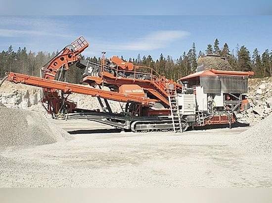 Sandvik Aufbau, zum des neuen UH450E bei Steinexpo vorzustellen