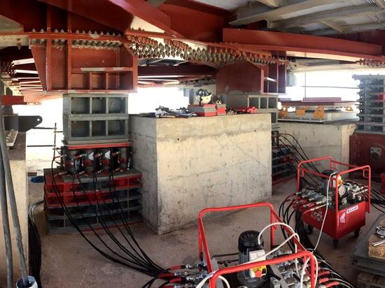 Brückenbau an Ort und Stelle: FPT-Steckfassungen und -pumpen