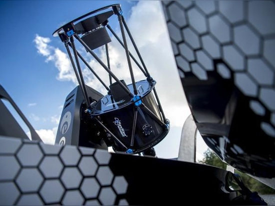 Nissan stellt bewegliches Observatorium – Konzept Navara-bewölkten Himmels vor