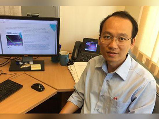 Dieses ist Dr. Dzung Dao, von der Schule der Griffith-Universität der Technik. Gutschrift Michael Jacobson